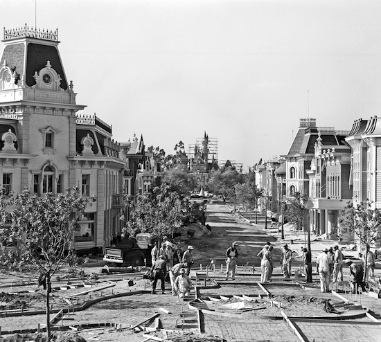 Building the Dream: The Making of Disneyland Park – Main Street, U.S.A.