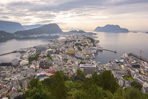 Norway Cruise Director Voyage Report: Fun with Anna, Elsa and Kristoff in Ålesund