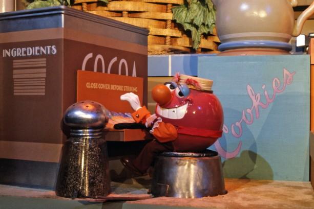 7 Amazing Photos of Epcot's Kitchen Kabaret