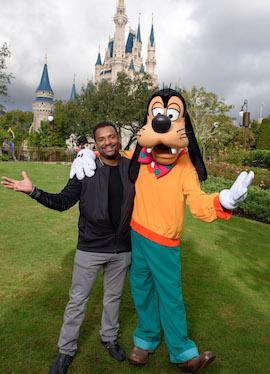 Alfonso Ribeiro has a 'Goofy' time at Magic Kingdom Park