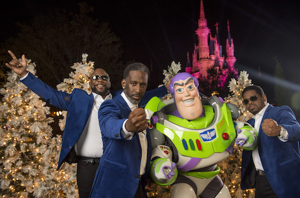 This Week in Disney Parks Photos: Holiday Specials at Disney Parks