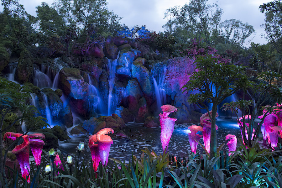 This Week in Disney Parks Photos: Pandora – The World of Avatar at Night