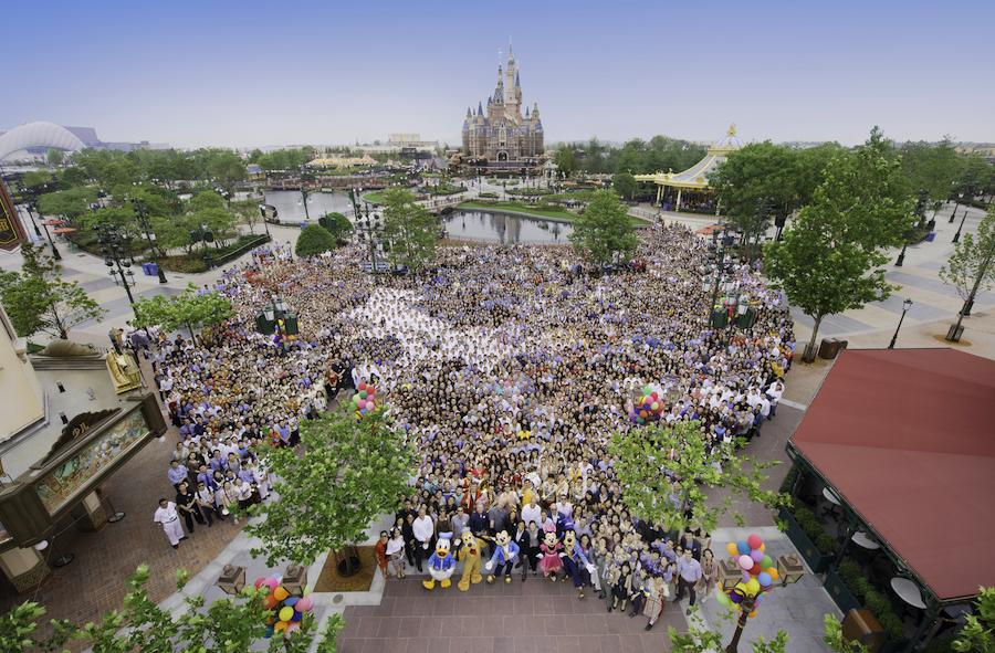 Shanghai Disney Resort Receives 2017 China Best Employer Award