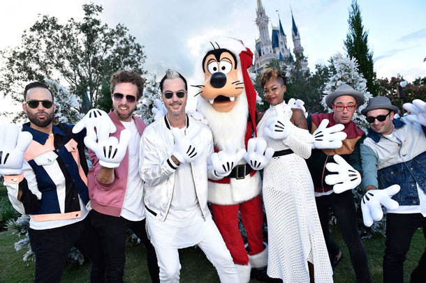 Disney Style Snapshots: What Celebs Are Wearing In Disney Parks Holiday Specials This Season