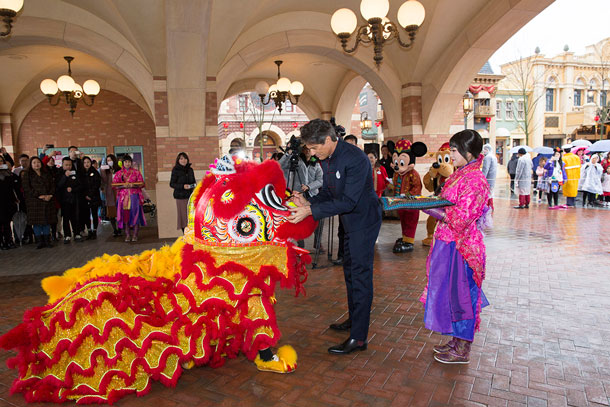 Shanghai Disney Resort Celebrates Chinese New Year with a Special Ceremony for Guests