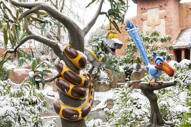 PHOTOS: Watch Disneyland Paris Turn Into A Winter Wonderland