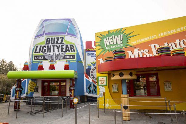 Shanghai Disney Resort Guests Get an Early Taste of Toy Box Café at Disney•Pixar Toy Story Land