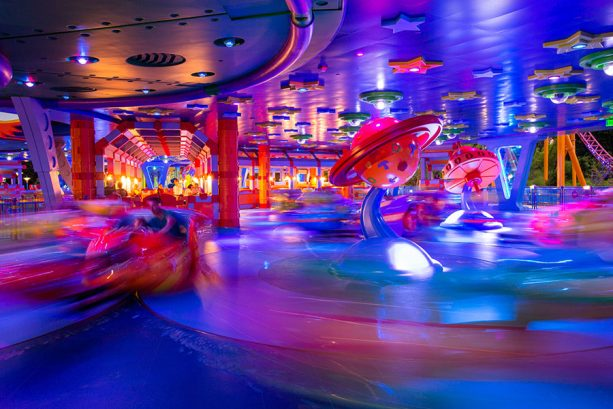 Disney Parks After Dark: Alien Swirling Saucers Glows at Toy Story Land