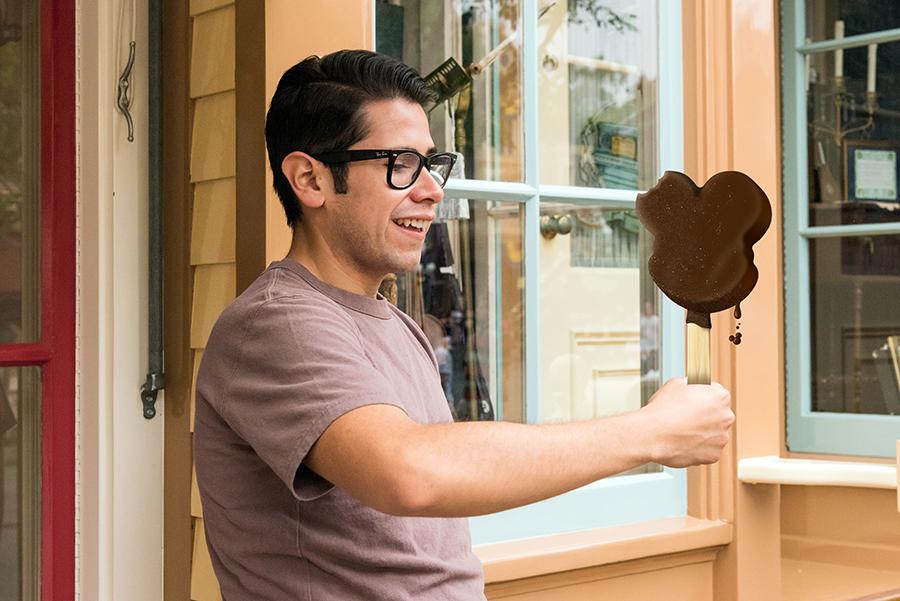 Mickey Ice Cream Bar Magic Shot Photopass