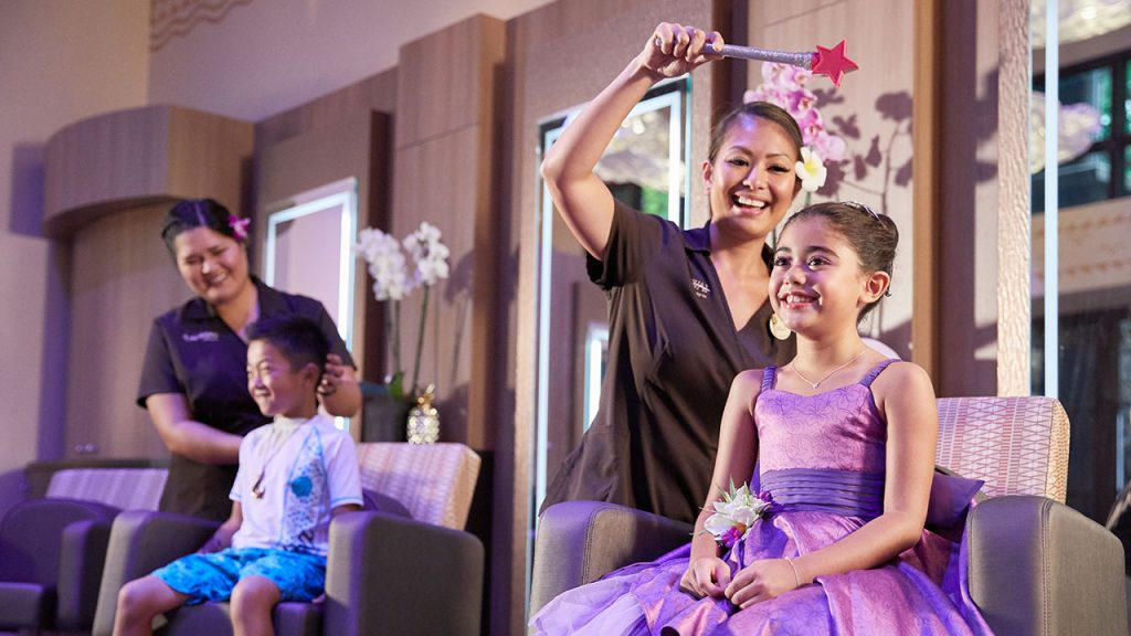 Painted Sky: HI Style Studio at Aulani, A Disney Resort & Spa Opens Today For Magical Makeovers