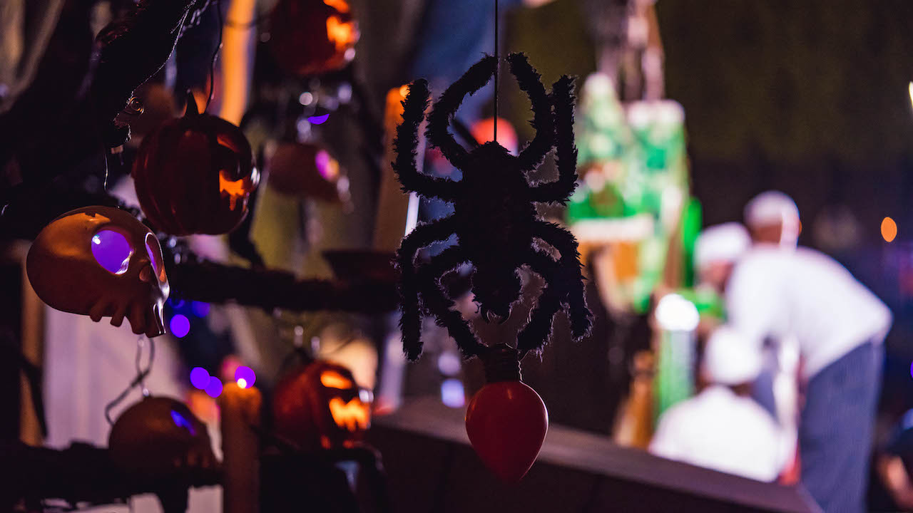 First Look: 2018 Haunted Mansion Holiday Gingerbread House at Disneyland Park
