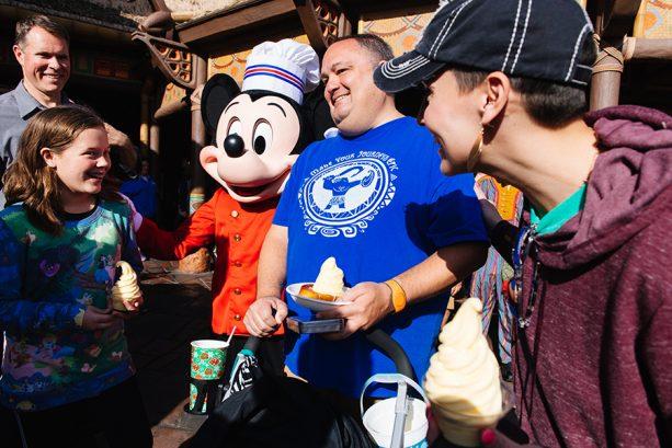 Walt Disney World Resort Celebrates 1 Million Mobile Orders in My Disney Experience App