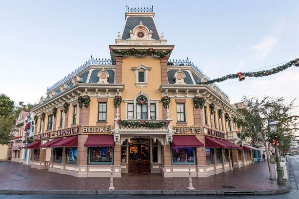 Holiday Gifting: 10 Essential Shopping Destinations at the Disneyland Resort