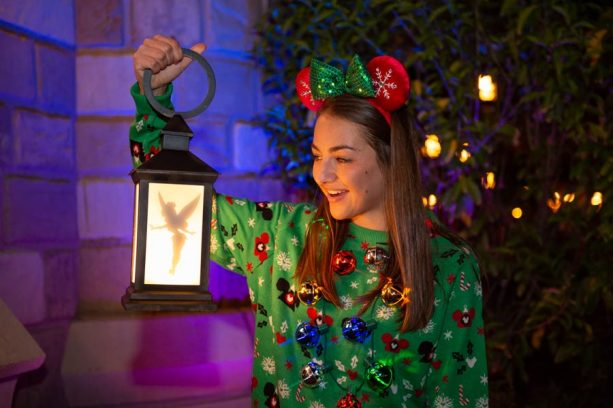 Take a Shine to Glowing Disney PhotoPass Props at Walt Disney World Resort