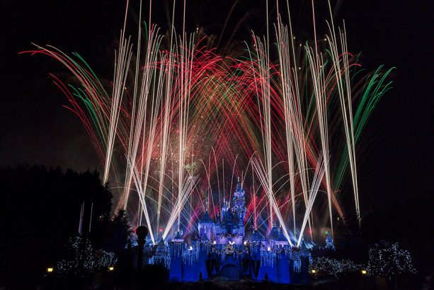 "Disney Parks After Dark: ""Believe…in Holiday Magic"" Fireworks Spectacular in Disneyland Park"