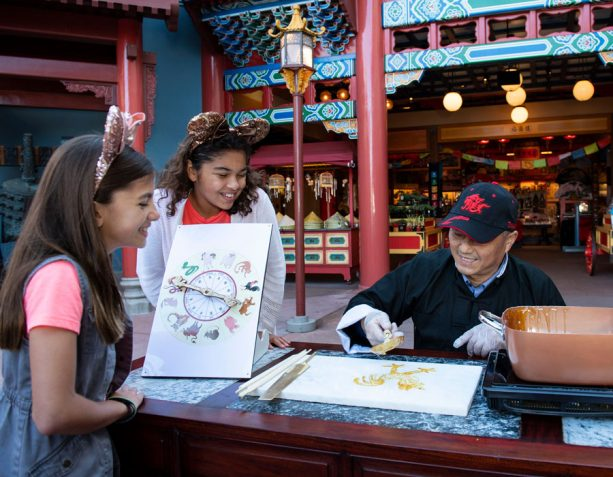 Sugar Painting by Candy Artisan Wenbo Zhang at the Epcot International Festival of the Arts