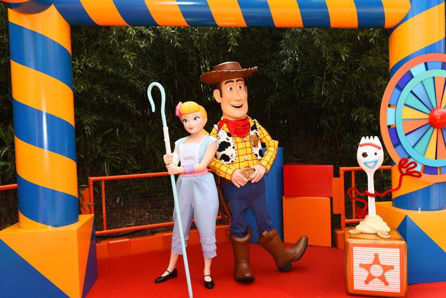 Meeting meet Bo Peep, Woody and Forky at Walt Disney Studios Park at Disneyland Paris