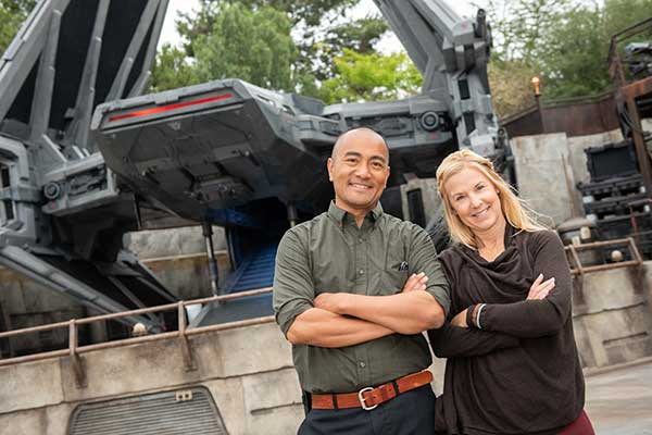 Capture Photos that Tell Your Story at Star Wars: Galaxy's Edge in Disneyland Park
