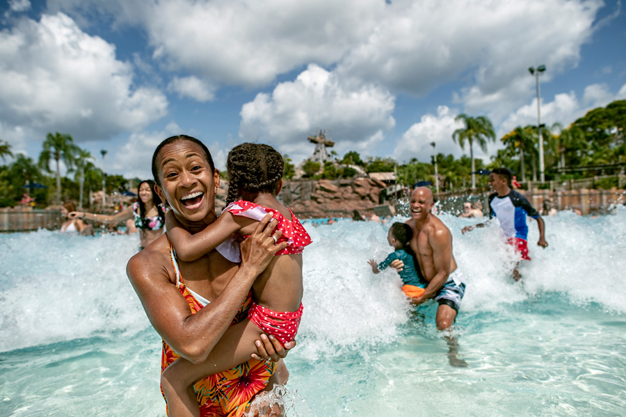 #DisneyFamilia: Disfruta the Last Days of Summer at Disney Water Parks