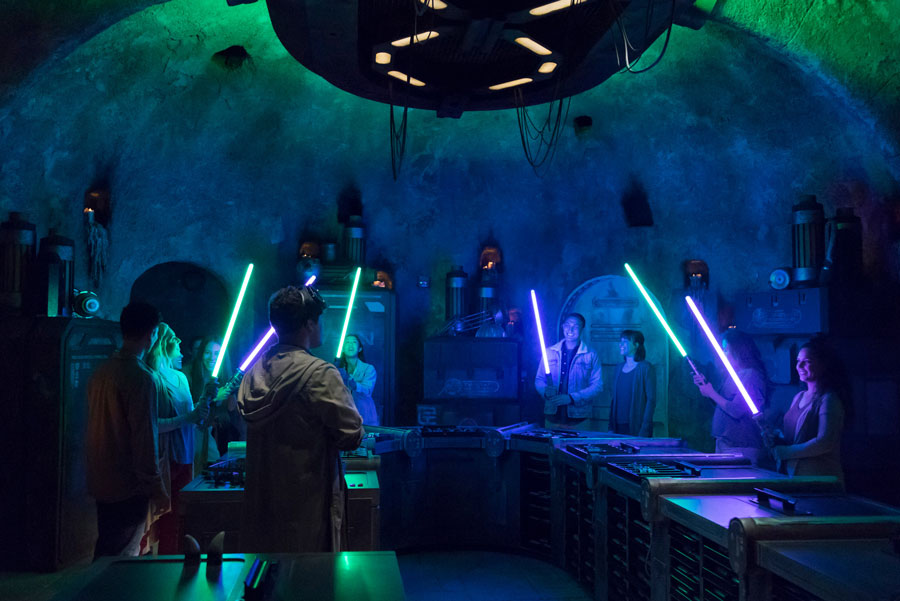 Droid Depot, Savi's Workshop and Oga's Cantina at Disney's Hollywood Studios Accepting Reservations