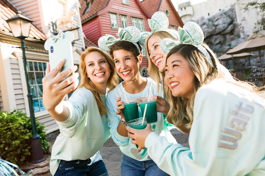 'Frozen'-Inspired Color Collection, Arendelle Aqua Debuts Around the World at Disney Parks and Online at shopDisney