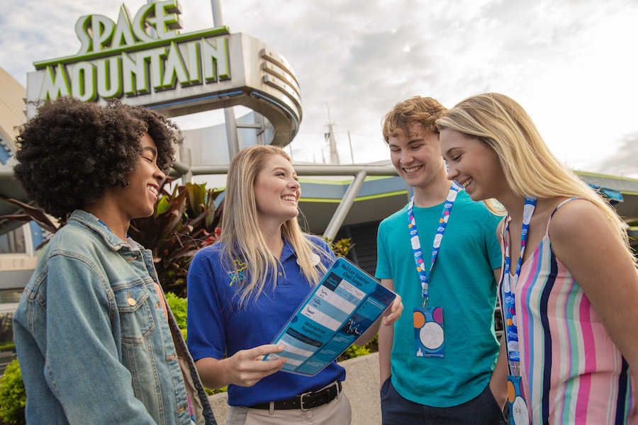 Moms Panel Monday: Disney Youth Programs Offer Students the Opportunity to Learn While at the Same Time Enjoying a Magical Getaway