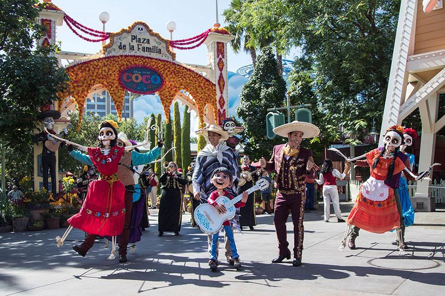 #DisneyFamilia: Plaza de la Familia Regresa a Disney California Adventure Park