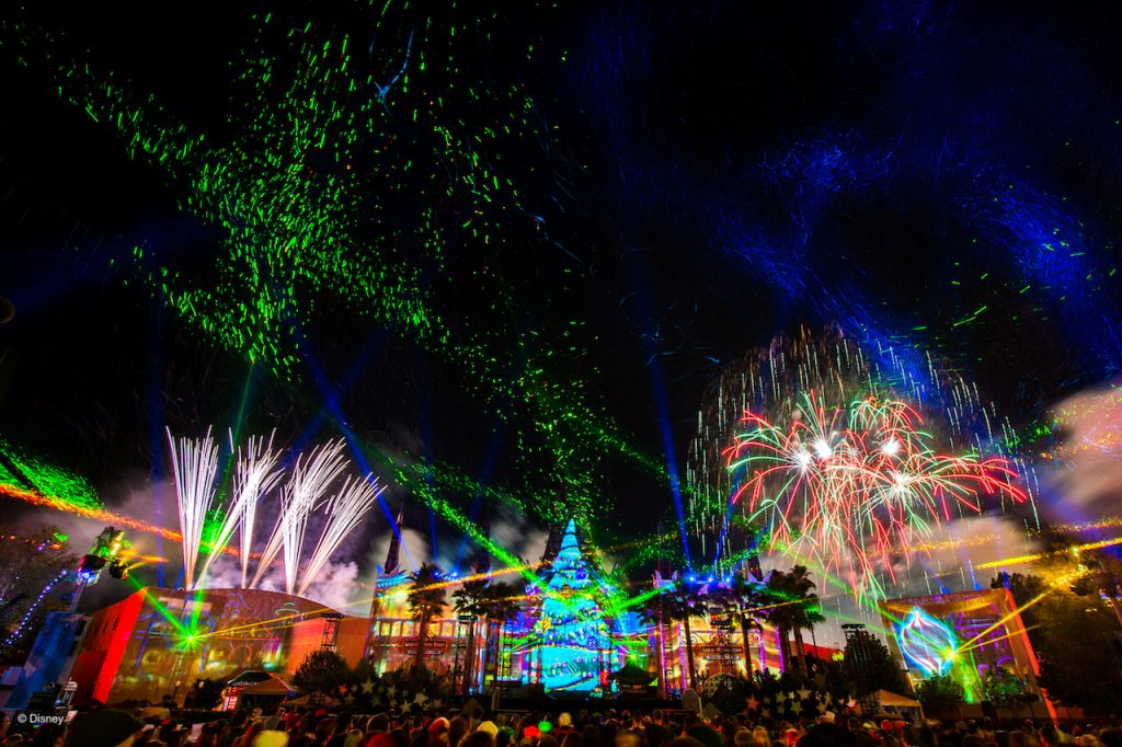 Annual Passholders Enjoy Special Holiday Offerings at Walt Disney World Resort
