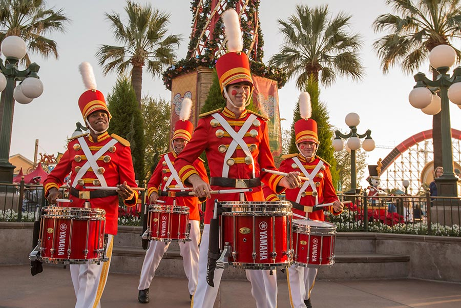Festive New Performances and Returning Favorites Come to Disney Festival of Holidays at Disney California Adventure Park
