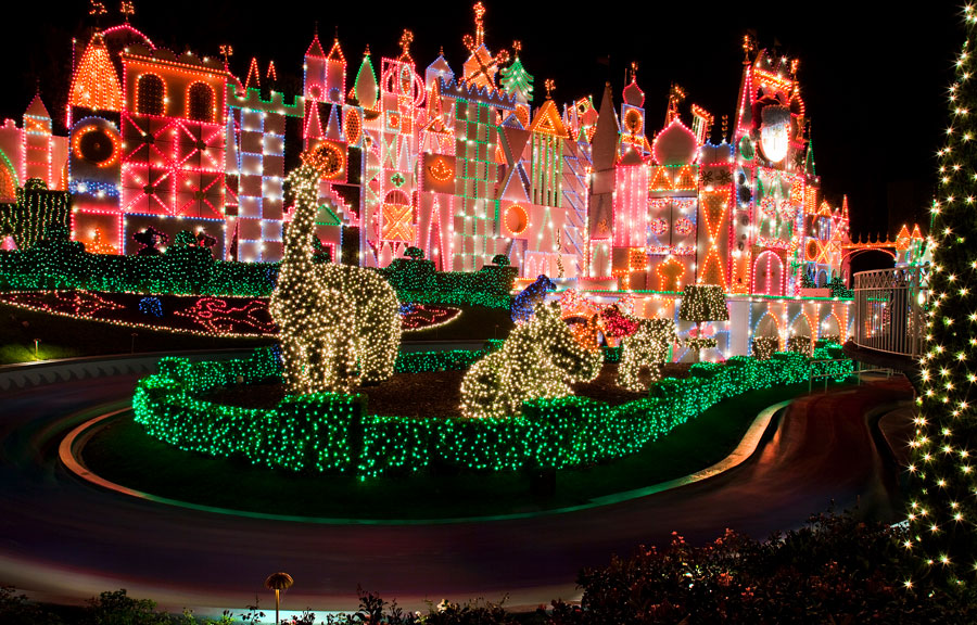 How to Enjoy the Holidays with Your Little Ones at Disneyland Resort