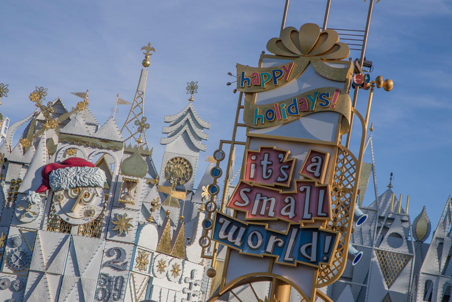 Moms Panel Monday: Holiday Travel Tips to Disneyland Resort