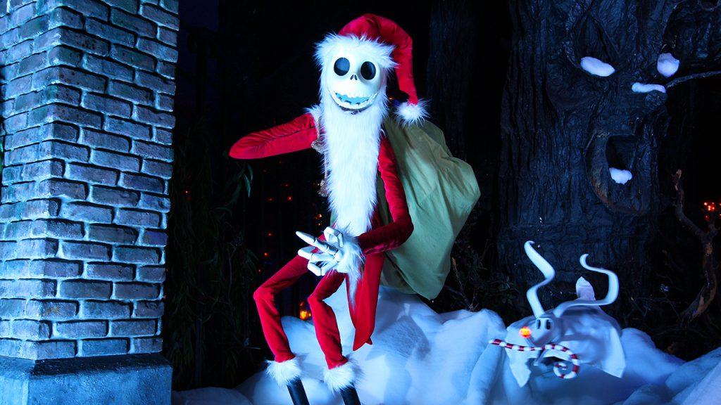 Enjoy Holiday Magic at Disneyland Resort Before It Flurries Away