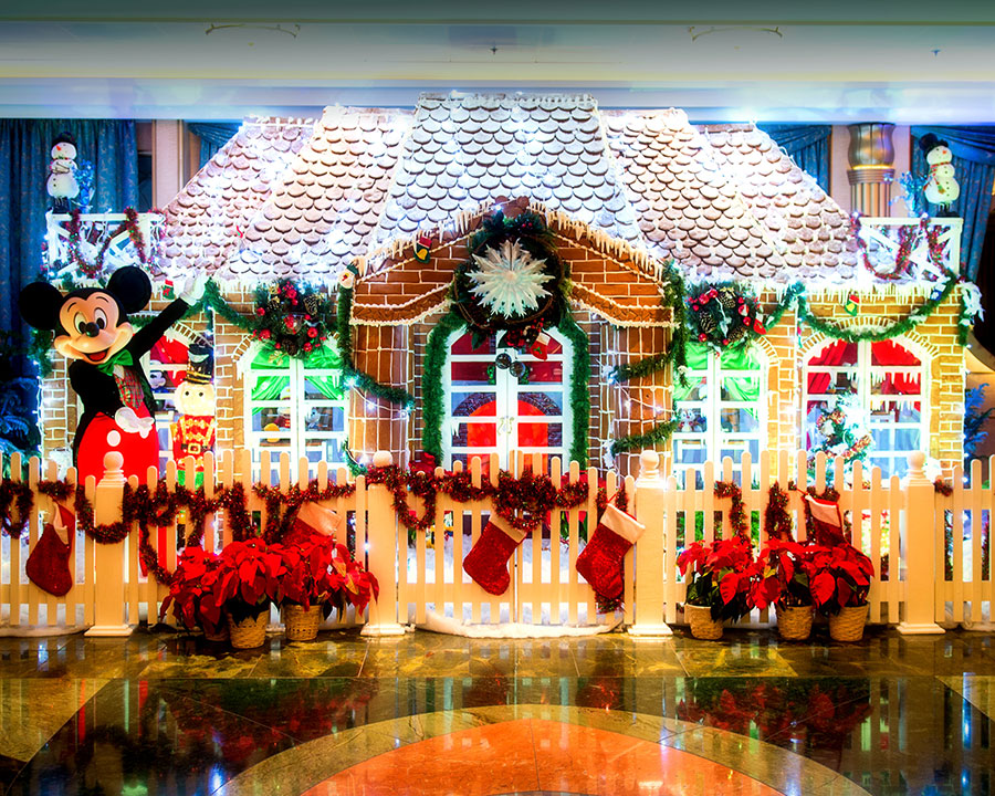 Winner Announced in Disney Cruise Line's Sixth Annual Gingerbread House Competition