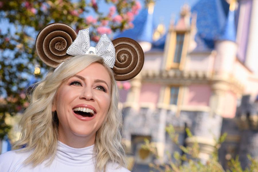 Princess Leia-inspired Minnie Mouse headband