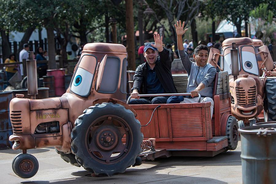#DisneyFamilia: Jorge Campos and Christian Martolini Se Divirtieron Como Niños at Disneyland Resort