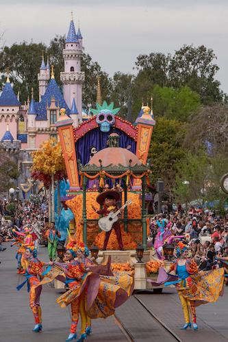 'Magic Happens' Parade Premieres Today at Disneyland Park